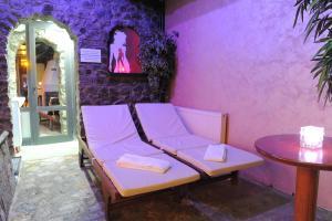 Club Satelit Zlatibor, Bed and Breakfasts  Zlatibor - big - 41