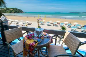 Chez Pitu Praia Hotel, Отели  Бузиус - big - 48