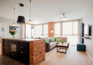 Stay-In Riverfront Lofts, Апартаменты  Гданьск - big - 8