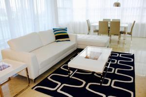 Deluxe Two-Bedroom Master Suite