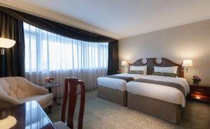 Special Deal - Continental Deluxe Room with Dining Credits