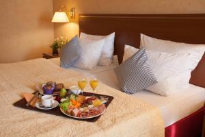 Hotel Athos, Отели  Баден-Баден - big - 14