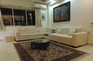 Emerald Mayfair, Ferienwohnungen  Kalkutta - big - 2