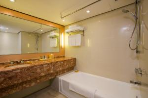 Prince Hotel, Marco Polo, Hotels  Hong Kong - big - 8