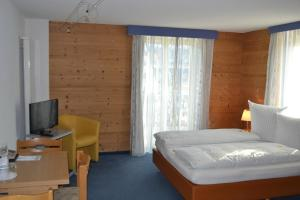 Hotel-Restaurant Bellevue, Hotely  Flims - big - 4