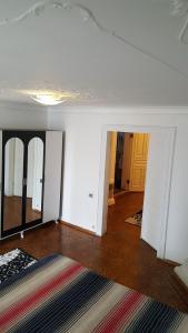 Apartment Neftchilar Prospect 5, Apartmány  Baku - big - 5