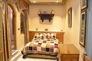 Riad Sabria, Riady  Sale - big - 24