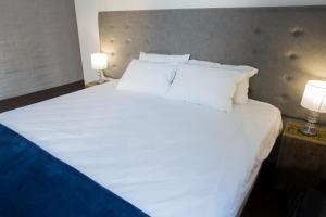 Zimmer mit Kingsize-Bett oder 2 Einzelbetten
