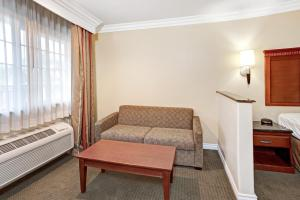 King Suite with Sofa Bed- Smoking