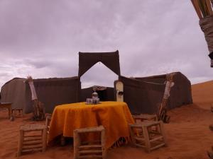 Camel Bivouac Merzouga, Campeggi di lusso  Merzouga - big - 51