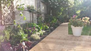 Garden in the city, Ferienwohnungen  Gent - big - 44