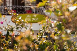 """Ericeira Chill Hill Hostel and Private Rooms - """"Peach Garden"""""""
