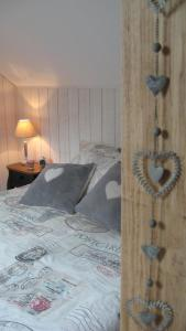 Le Clos De La Roche, Bed & Breakfasts  Goven - big - 6