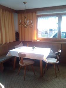 Beim Rudl, Bed & Breakfast  Ehrwald - big - 22