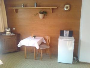 Beim Rudl, Bed & Breakfast  Ehrwald - big - 21