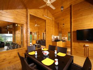 Woodhive Serviced Villa, Дома для отпуска  Kakkanad - big - 13