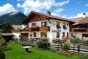 Beim Rudl, Bed and breakfasts  Ehrwald - big - 1
