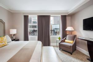 5th Avenue Suite 1 King Bed with Terrace