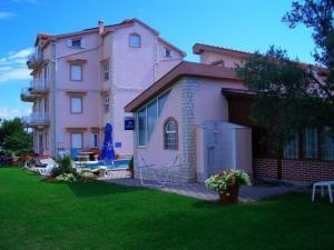 Apartments in Tkon/Insel Pasman 7887, Apartmanok  Kraj - big - 9