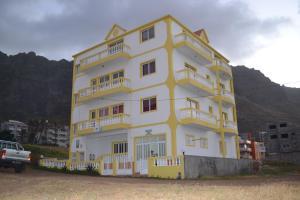 Residential Trilhas and Montanhas