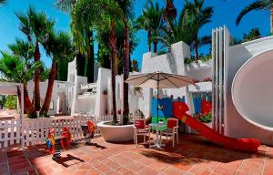 Hotel Suites Albayzin Del Mar, Отели  Альмуньекар - big - 38