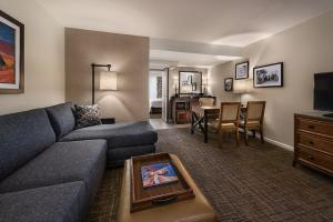 Embassy Suites by Hilton Scottsdale Resort, Resort  Scottsdale - big - 5