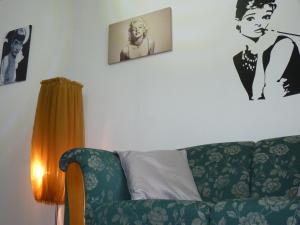 4 ApartsHotel Galati Faleza, Ferienwohnungen  Galaţi - big - 34