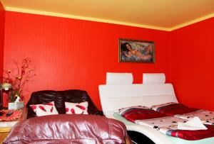 Villa Anastazis - Penzion Eden, Guest houses  Karlovy Vary - big - 64