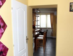 Villa Anastazis - Penzion Eden, Guest houses  Karlovy Vary - big - 5