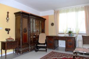 Villa Anastazis - Penzion Eden, Guest houses  Karlovy Vary - big - 31