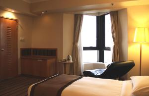Executive Deluxe King Room with Harbour View