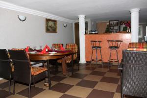 Villa Anastazis - Penzion Eden, Guest houses  Karlovy Vary - big - 126
