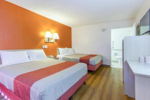 Motel 6 Phoenix Airport - 24th Street, Hotels  Phoenix - big - 5
