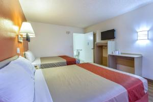 Motel 6 Phoenix Airport - 24th Street, Hotels  Phoenix - big - 6