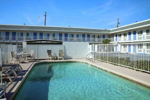 Motel 6 Phoenix Airport - 24th Street, Hotels  Phoenix - big - 13