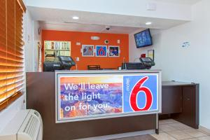 Motel 6 Phoenix Airport - 24th Street, Hotels  Phoenix - big - 25