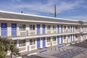Motel 6 Phoenix Airport - 24th Street, Hotels  Phoenix - big - 16