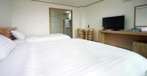 Bowhill Hostel & Pension, Resort  Seogwipo - big - 7