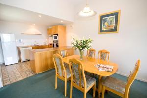 Lorne Ocean Sun Apartments, Appartamenti  Lorne - big - 4
