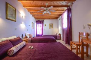 Panormos Hotel and Studios, Hotely  Naxos Chora - big - 34