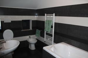 La Roca, Guest houses  Grinţieşu Mic - big - 34