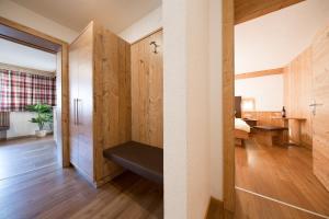 Gästehaus Falkner Ignaz, Апартаменты  Зельден - big - 37