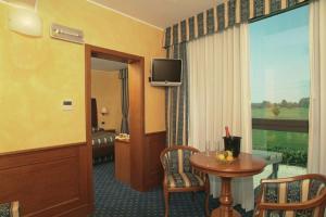 Hotel Riz B.B, Hotely  San Genesio ed Uniti - big - 17