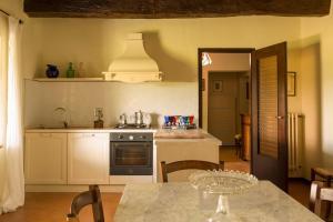 Quercia Al Poggio, Фермерские дома  Барберино-Валь-д'Эльса - big - 9