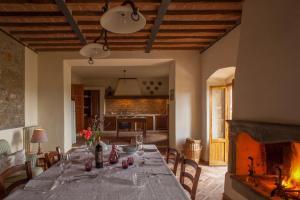 Quercia Al Poggio, Фермерские дома  Барберино-Валь-д'Эльса - big - 32