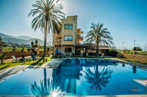 Danelis Studios & Apartments, Апарт-отели  Малиа - big - 1