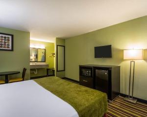 Quality Inn Davenport - Maingate South, Отели  Давенпорт - big - 5