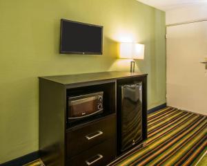 Quality Inn Davenport - Maingate South, Отели  Давенпорт - big - 4