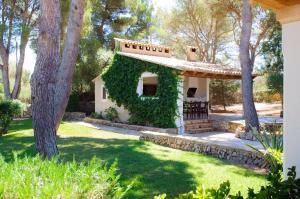 Rotes, Dovolenkové domy  Cala Ferrera - big - 7