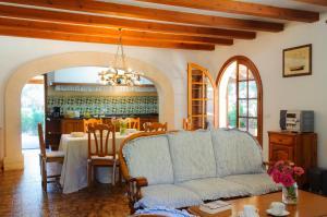 Rotes, Dovolenkové domy  Cala Ferrera - big - 25